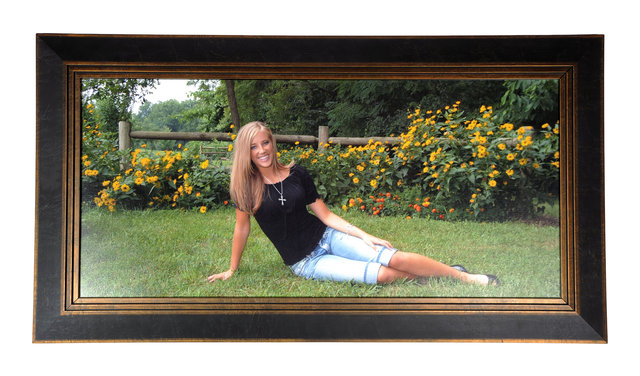 a6f7eaf1d546 Standard sized portraits can be framed in a matter of minutes at Dice  Photography. We use state-of-the-art equipment to build your frames on-site.